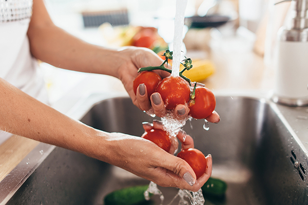 Leyla Weighs In: How to clean produce
