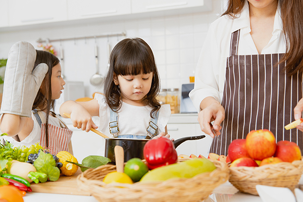 7 ways to instill healthier eating habits in your kids—and why it matters